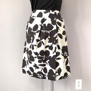 Simply Vera black & blue floral skirt Sz 4